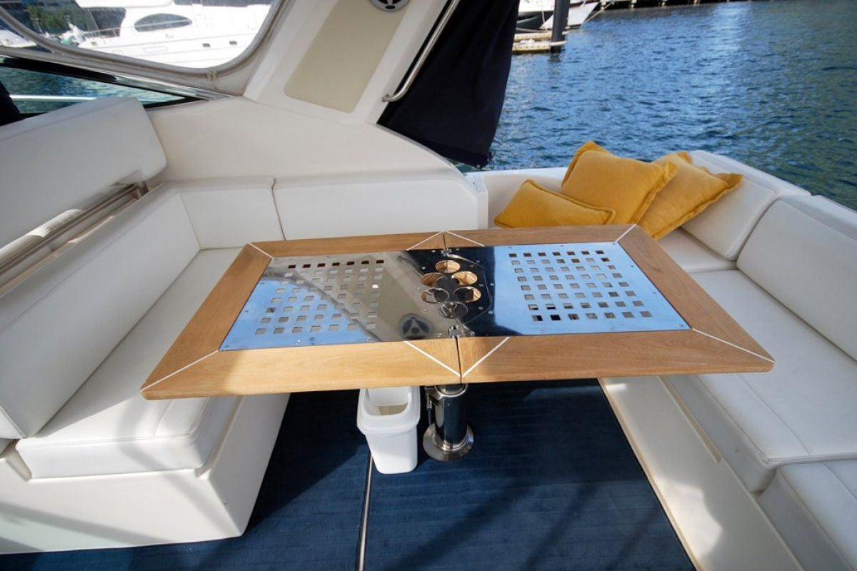Riviera M400 Sports Cruiser 0 23