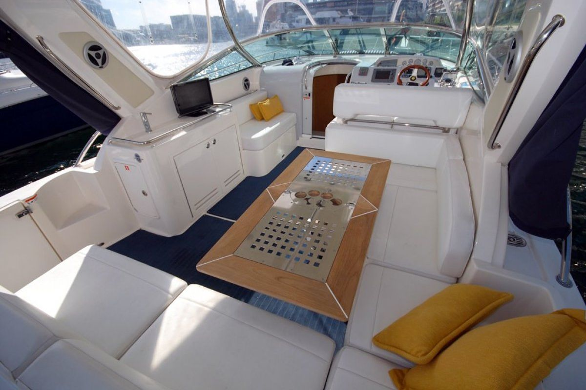 Riviera M400 Sports Cruiser 0 18