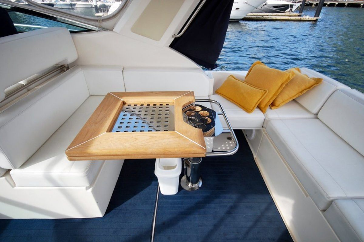 Riviera M400 Sports Cruiser 0 24