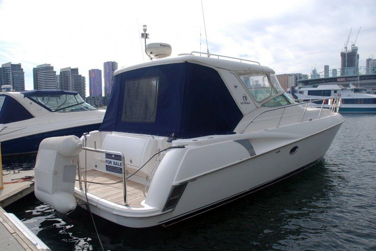 Riviera M400 Sports Cruiser 0 25