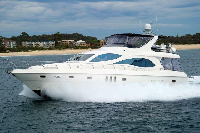 Majesty Yachts 66 2006 00