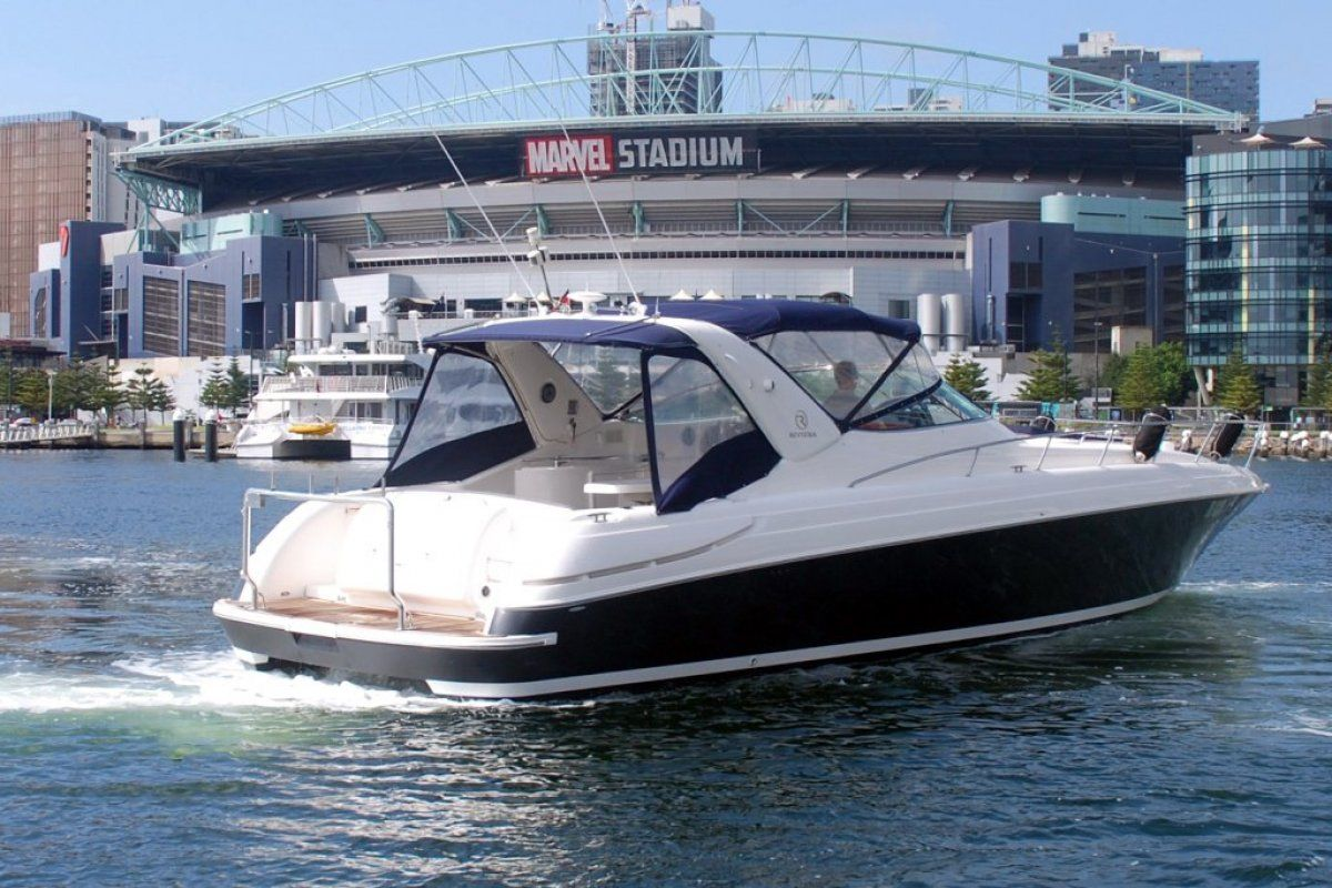 Riviera M430  Sports Cruiser 2004 28