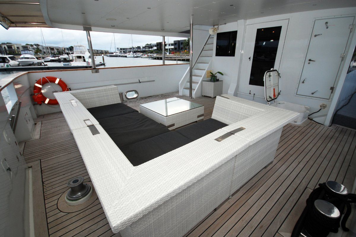 Custom Trideck 100 Motor Yacht 1990 25