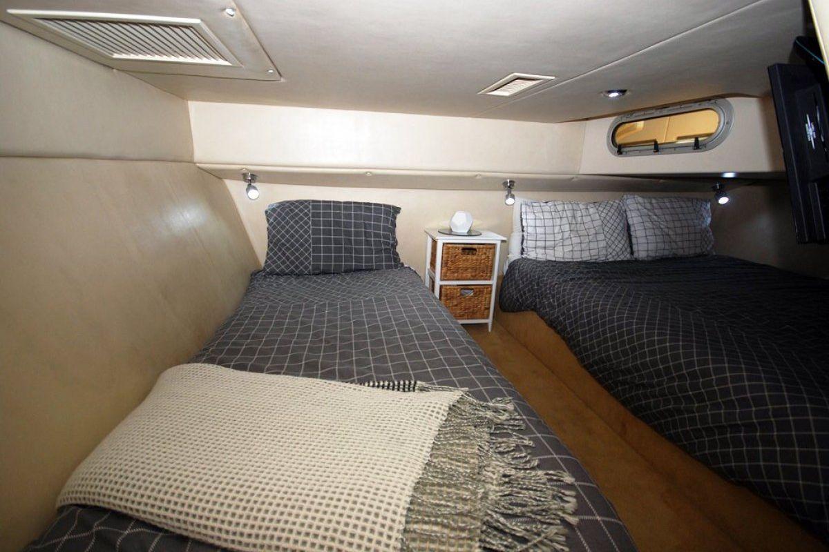 Riviera M430  Sports Cruiser 2002 11