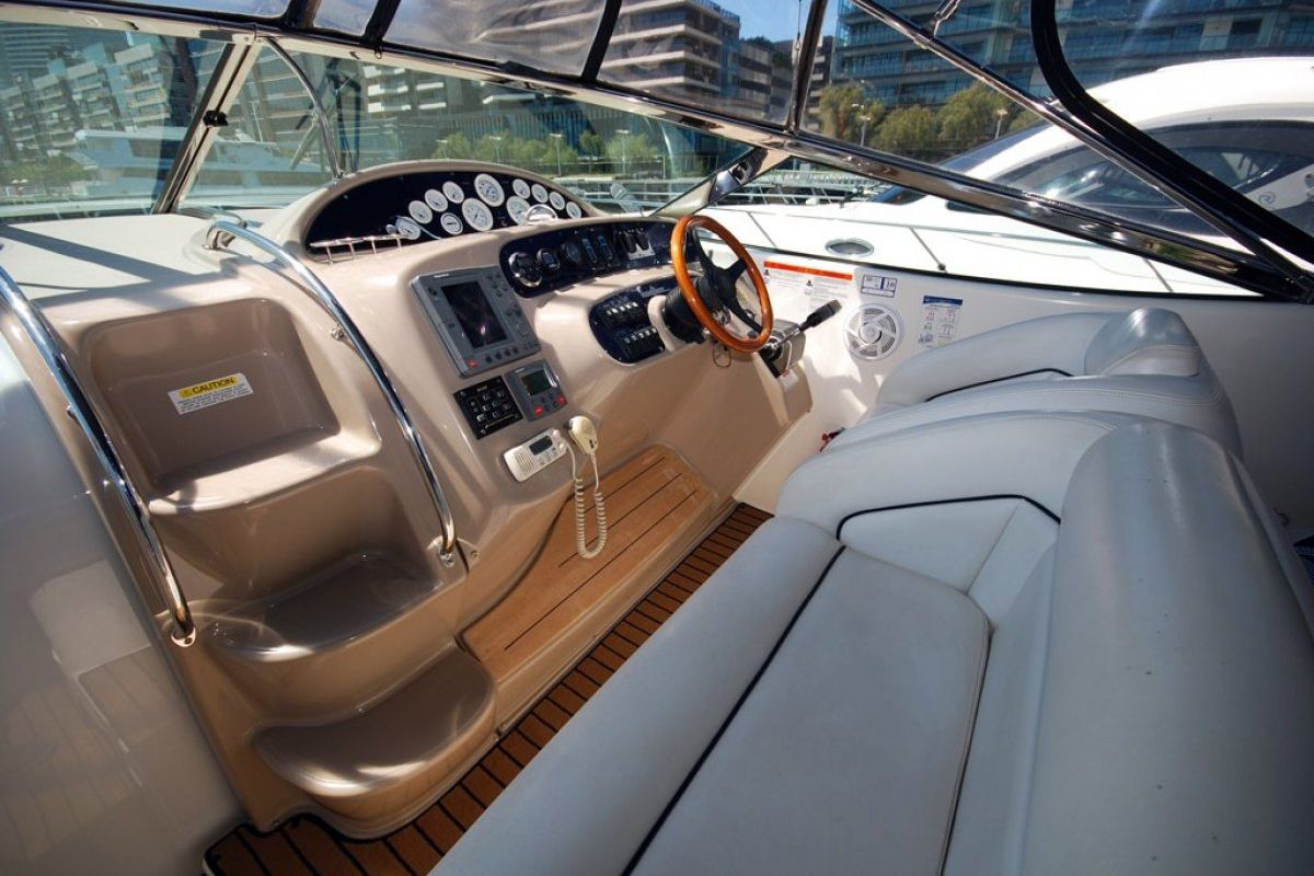 Riviera M430  Sports Cruiser 2002 14