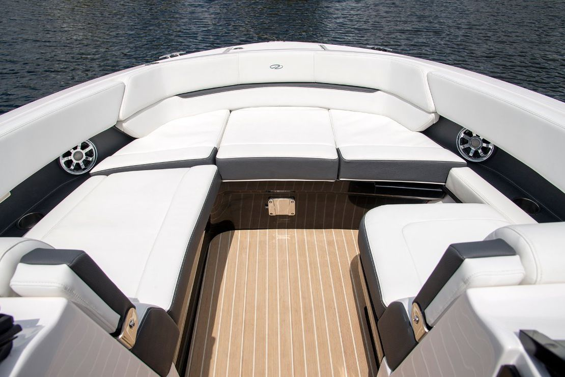 Regal 2800 Bowrider 0 11