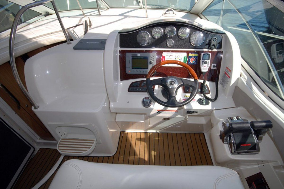 Sea Ray 325 Sundancer 0 08