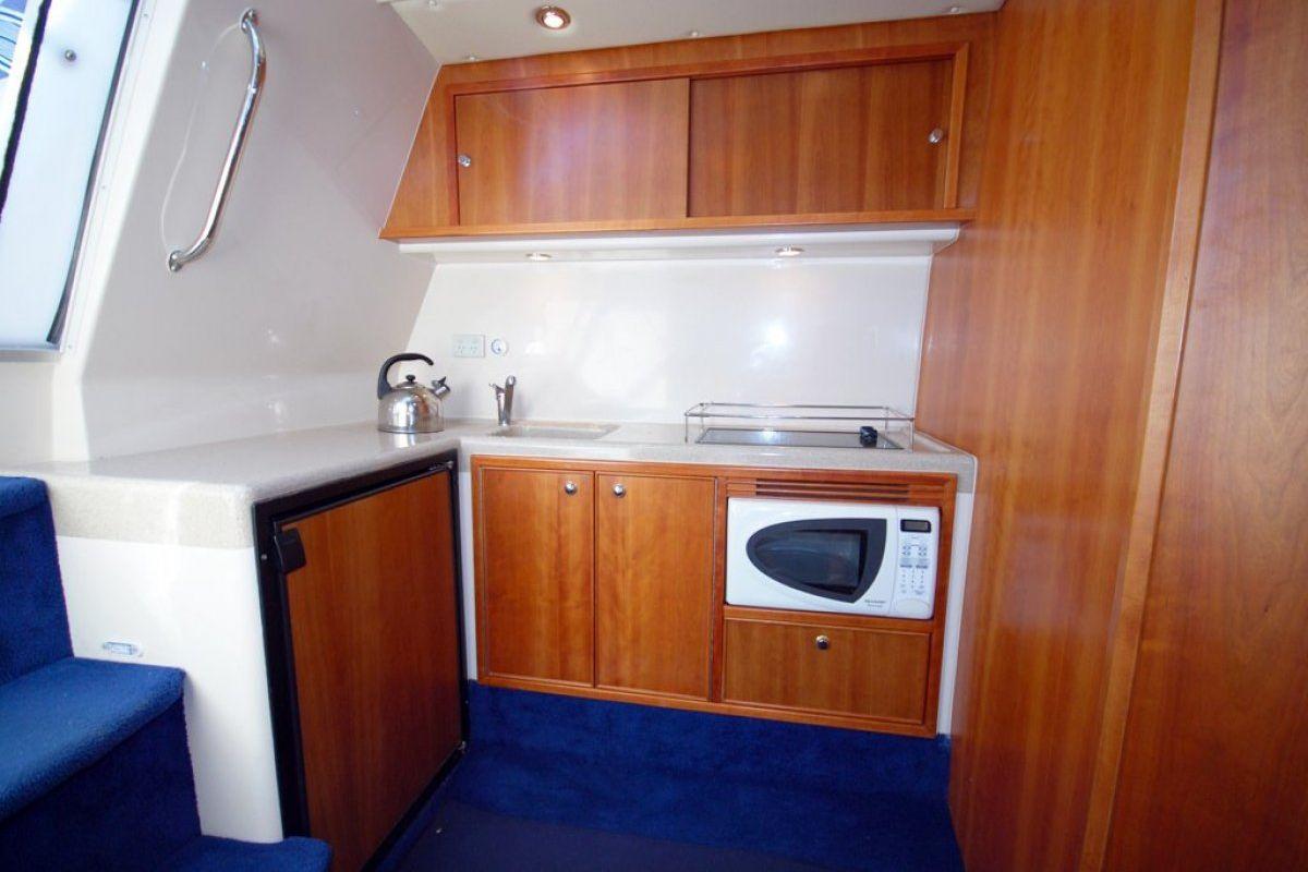 Riviera M370 Sports Cruiser 0 08