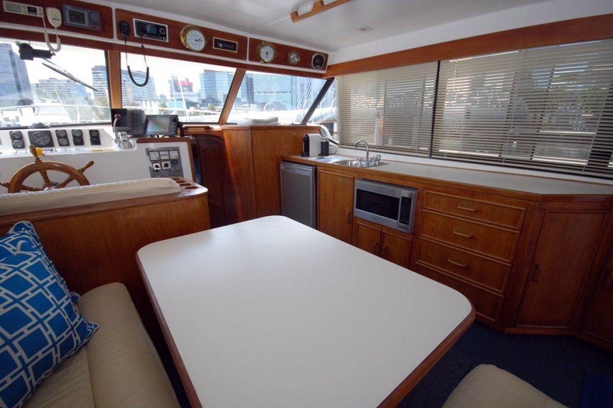 Fairway 36 Flybridge Cruiser 0 04