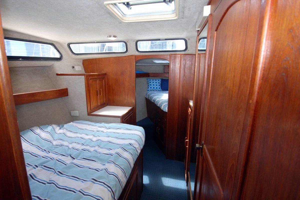 Fairway 36 Flybridge Cruiser 0 14