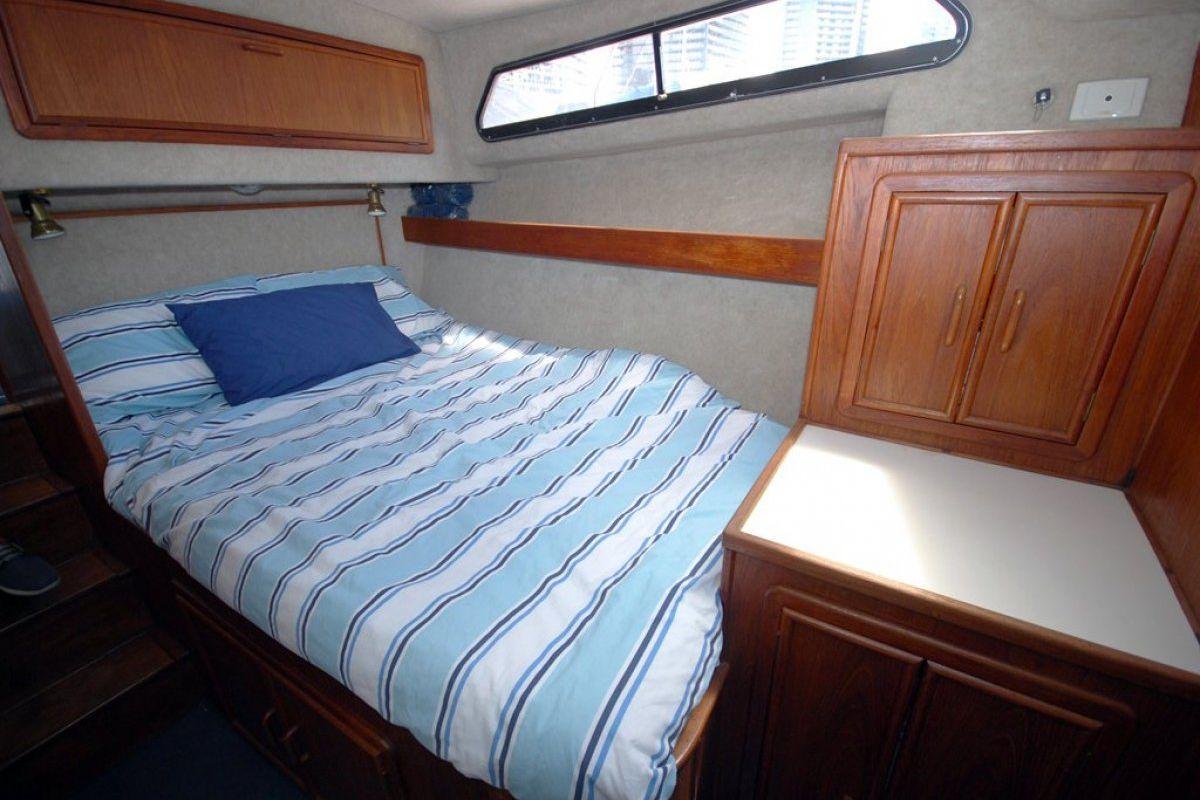 Fairway 36 Flybridge Cruiser 0 11
