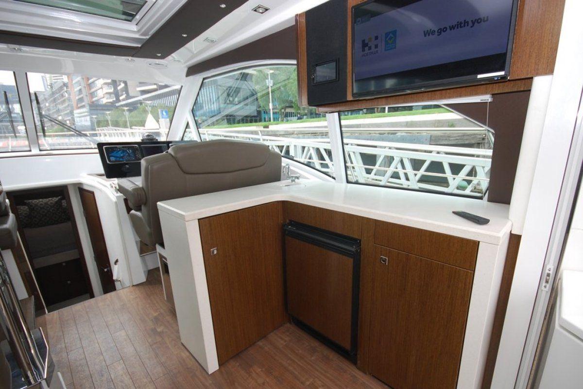 Cruisers Yachts 41 Cantius 0 05