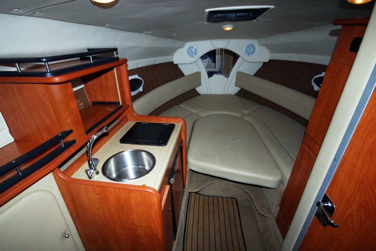 Rinker 250 Express Cruiser 0 07