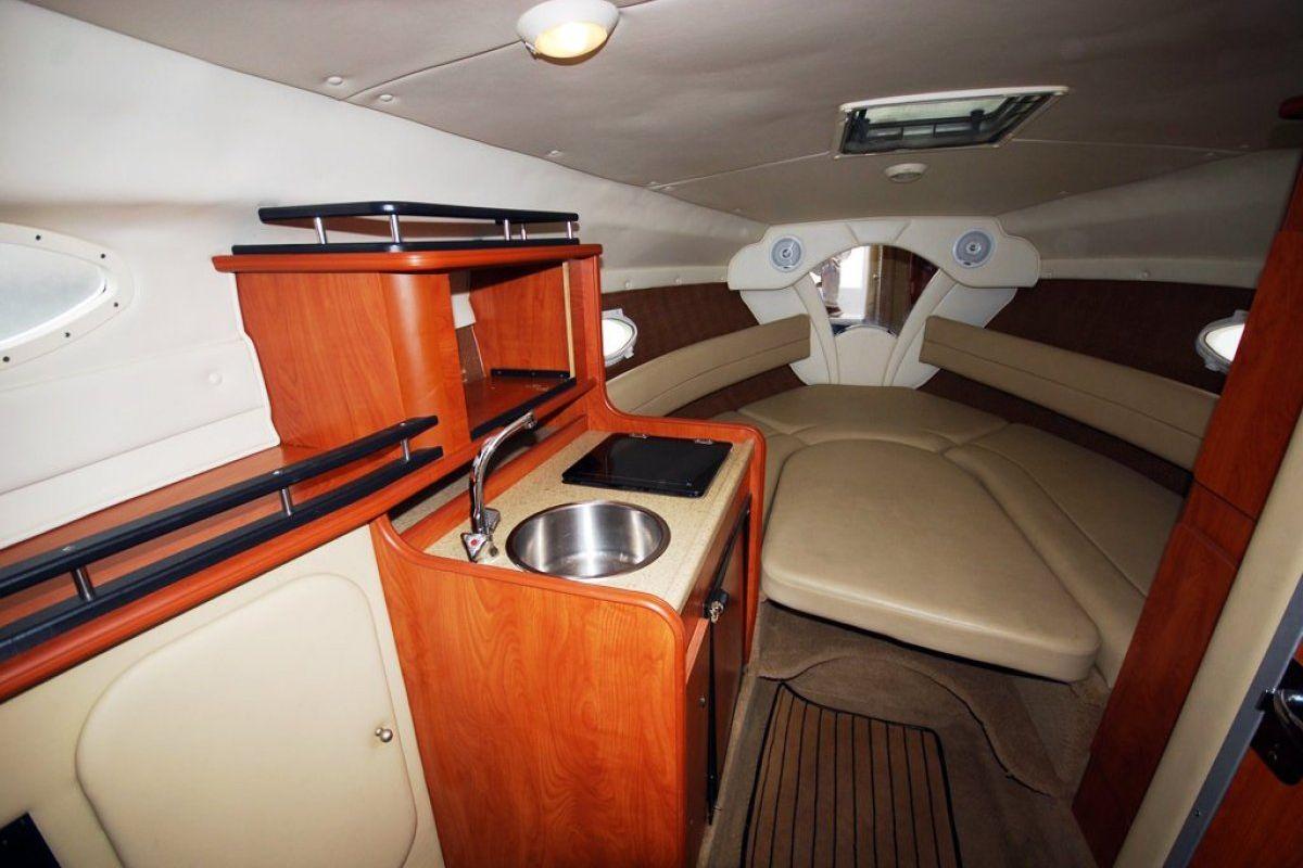 Rinker 250 Express Cruiser 0 03