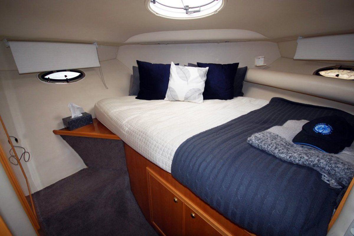 Riviera M370 Sports Cruiser 0 07