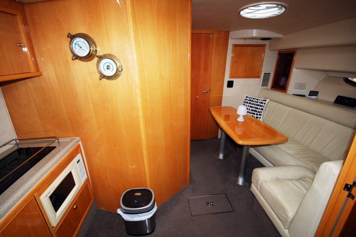 Riviera M370 Sports Cruiser 0 04