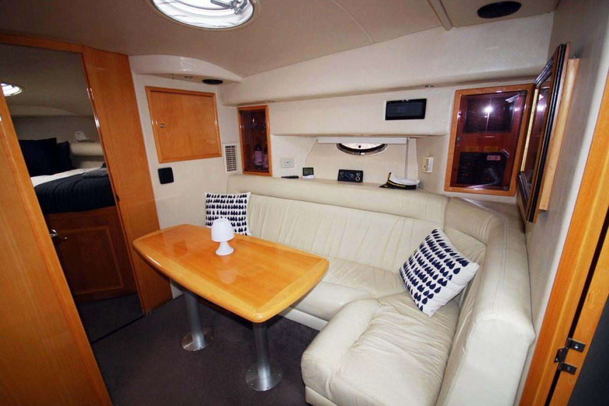 Riviera M370 Sports Cruiser 0 02