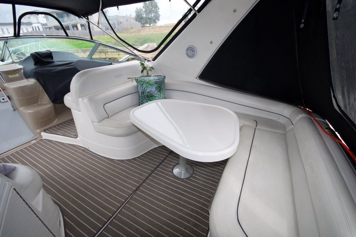 Riviera M370 Sports Cruiser 0 15
