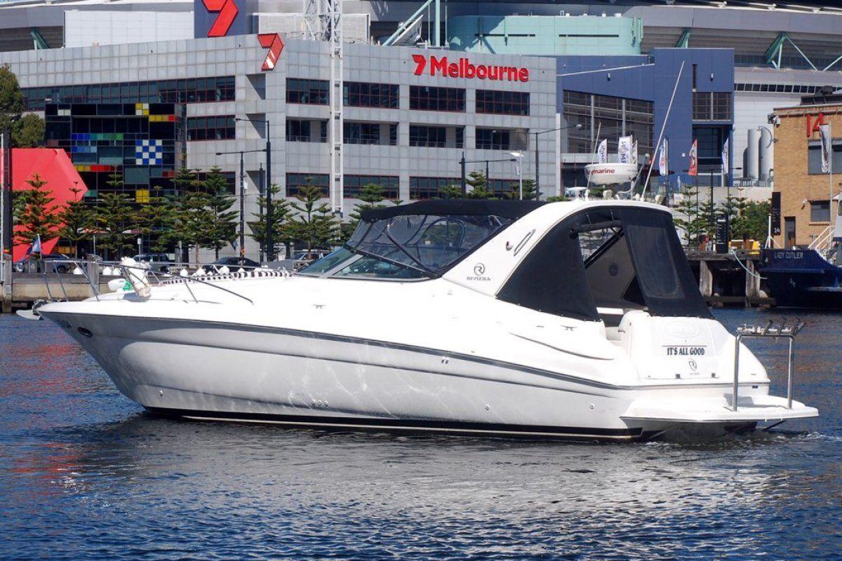 Riviera M370 Sports Cruiser 0 03