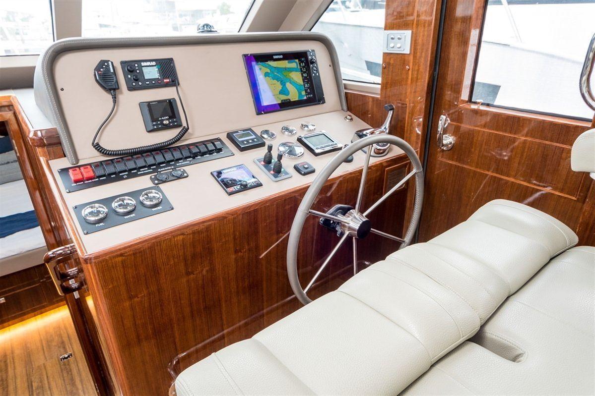 Island Gypsy Newport 460 0 08