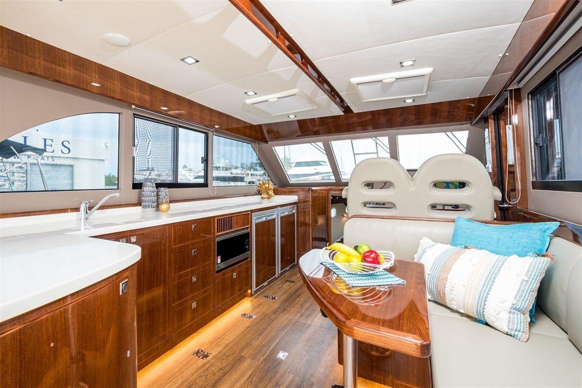 Island Gypsy Newport 460 0 05