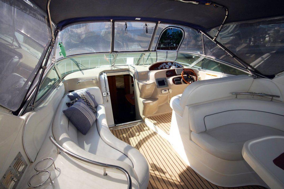 Riviera M370 Sports Cruiser 2005 17