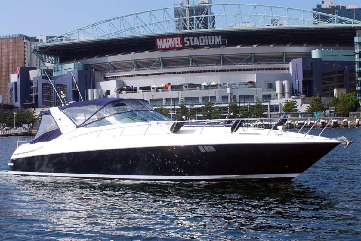 Riviera M430  Sports Cruiser 0 02