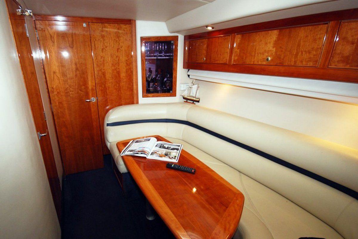 Riviera M430  Sports Cruiser 2004 04