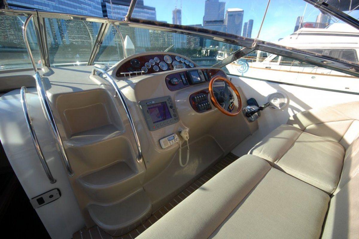 Riviera M430  Sports Cruiser 2004 11