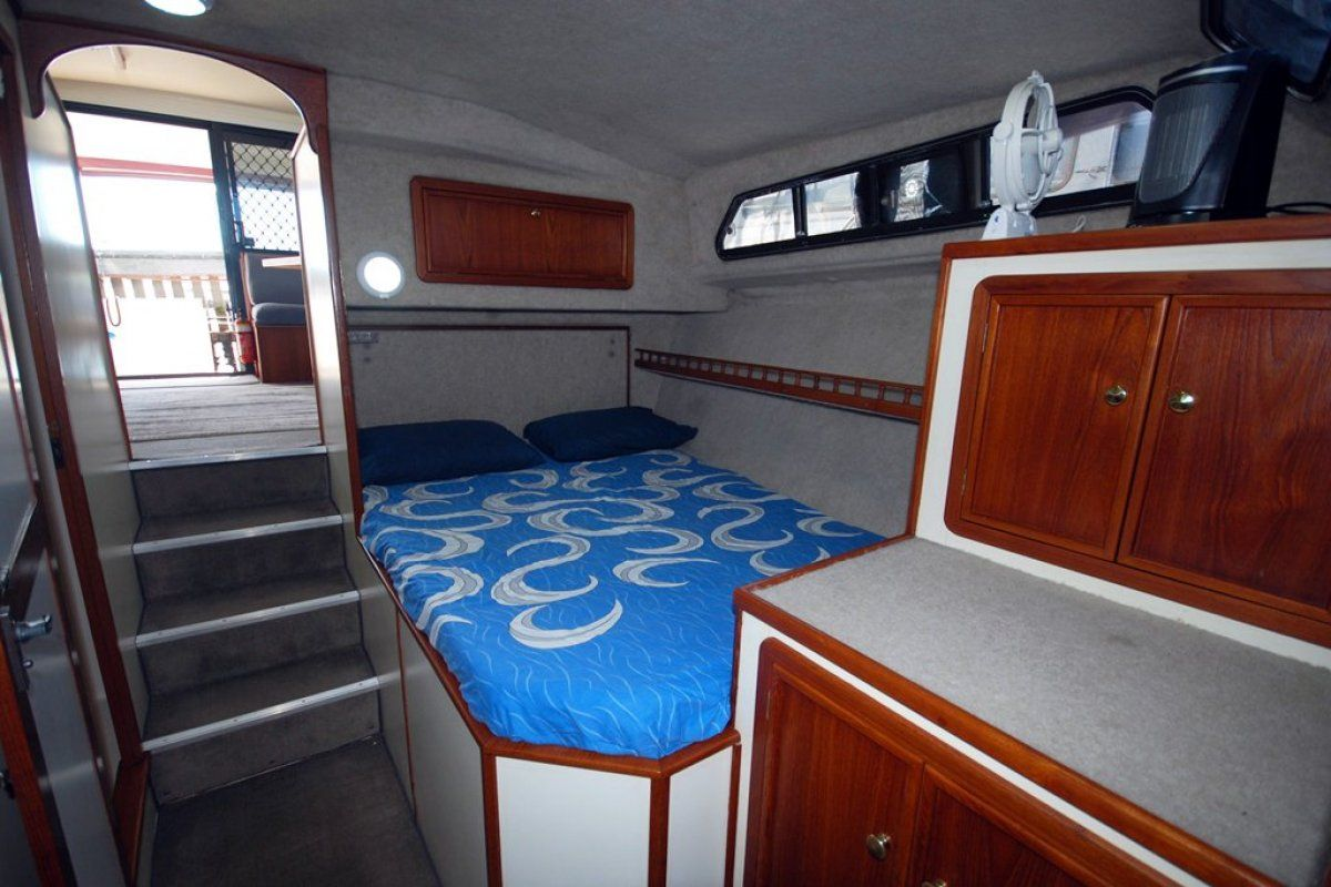 Fairway 36 Flybridge Cruiser 0 11