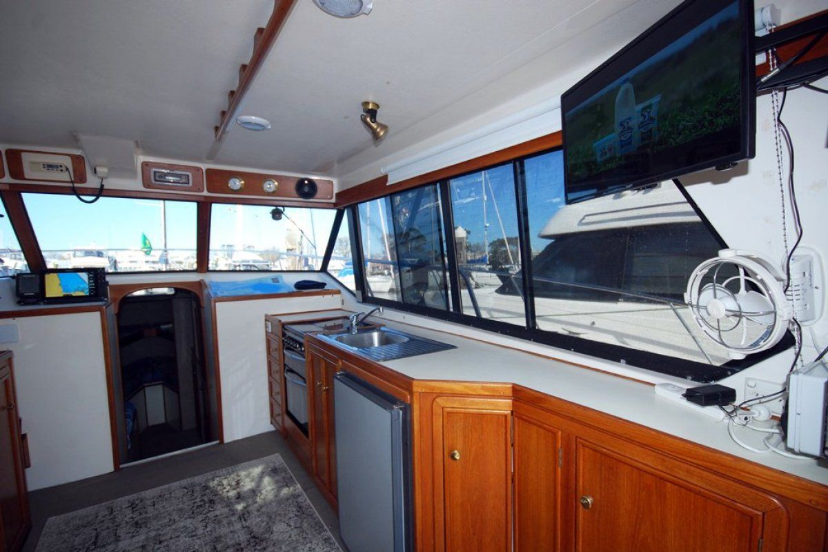 Fairway 36 Flybridge Cruiser 0 03