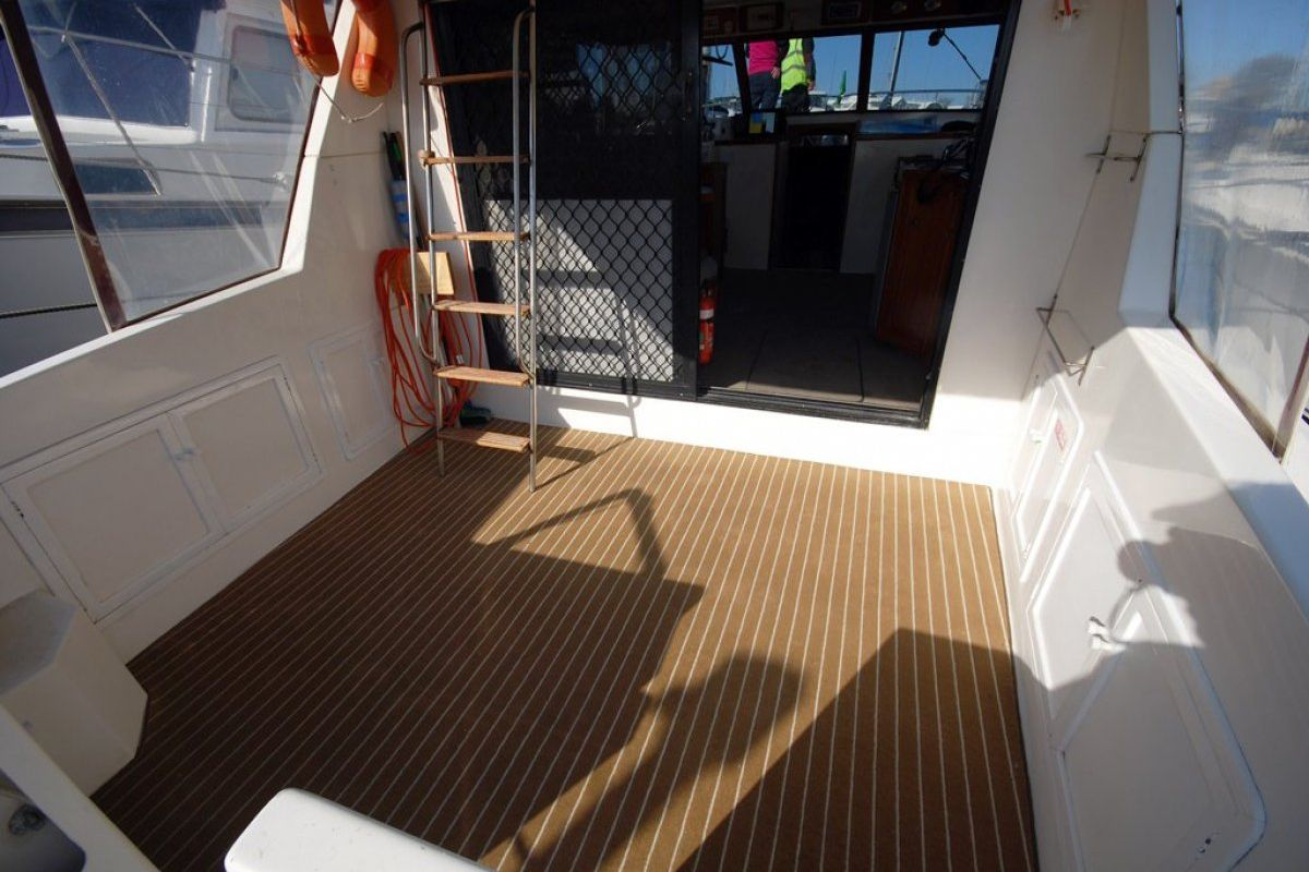 Fairway 36 Flybridge Cruiser 0 18