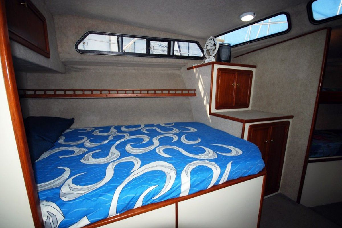 Fairway 36 Flybridge Cruiser 0 12