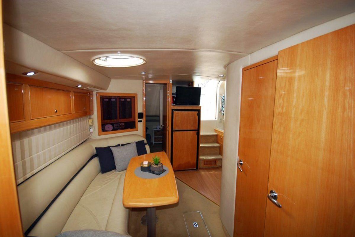 Riviera M430  Sports Cruiser 0 07