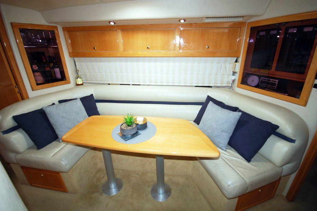 Riviera M430  Sports Cruiser 0 05