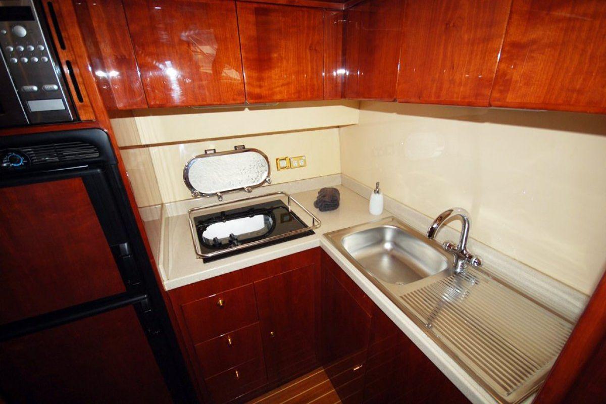 Majesty Yachts 50 0 09