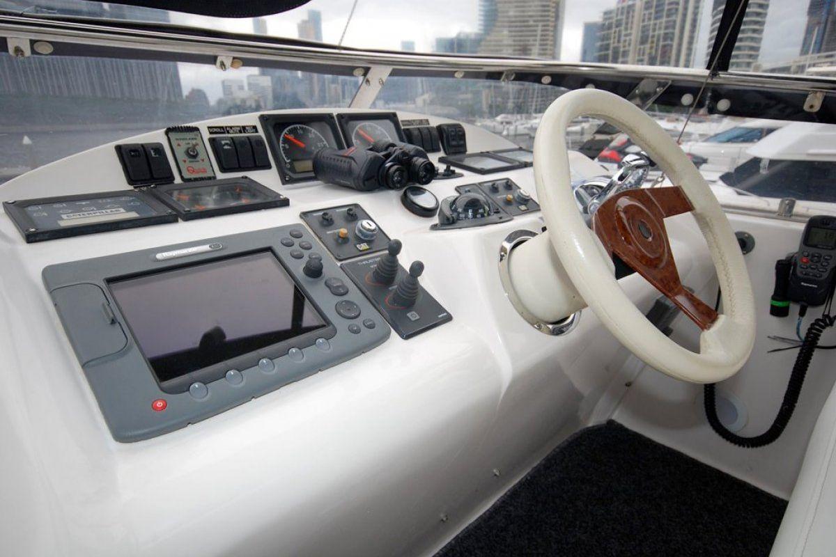 Majesty Yachts 50 0 18