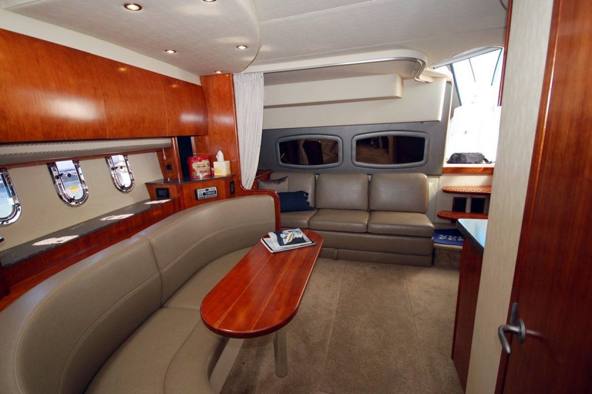 Cruisers Yachts 390 Express Coupe 0 03