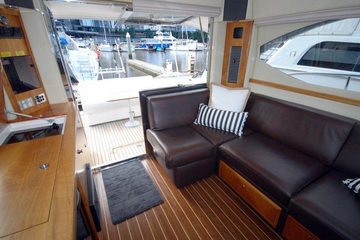 Riviera 3600 Sport Yacht 0 05