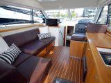 Riviera 3600 Sport Yacht 0 03