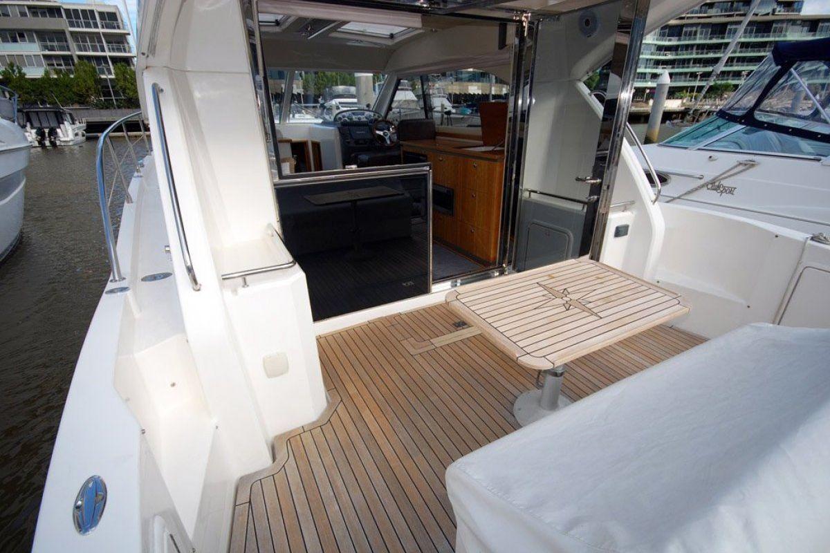 Riviera 3600 Sport Yacht 2007 15