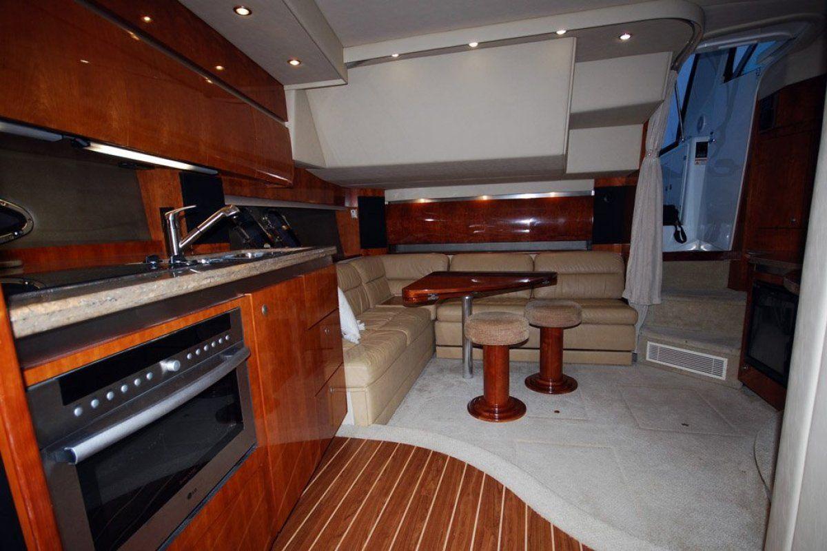 Cruisers Yachts 420 Express 0 04