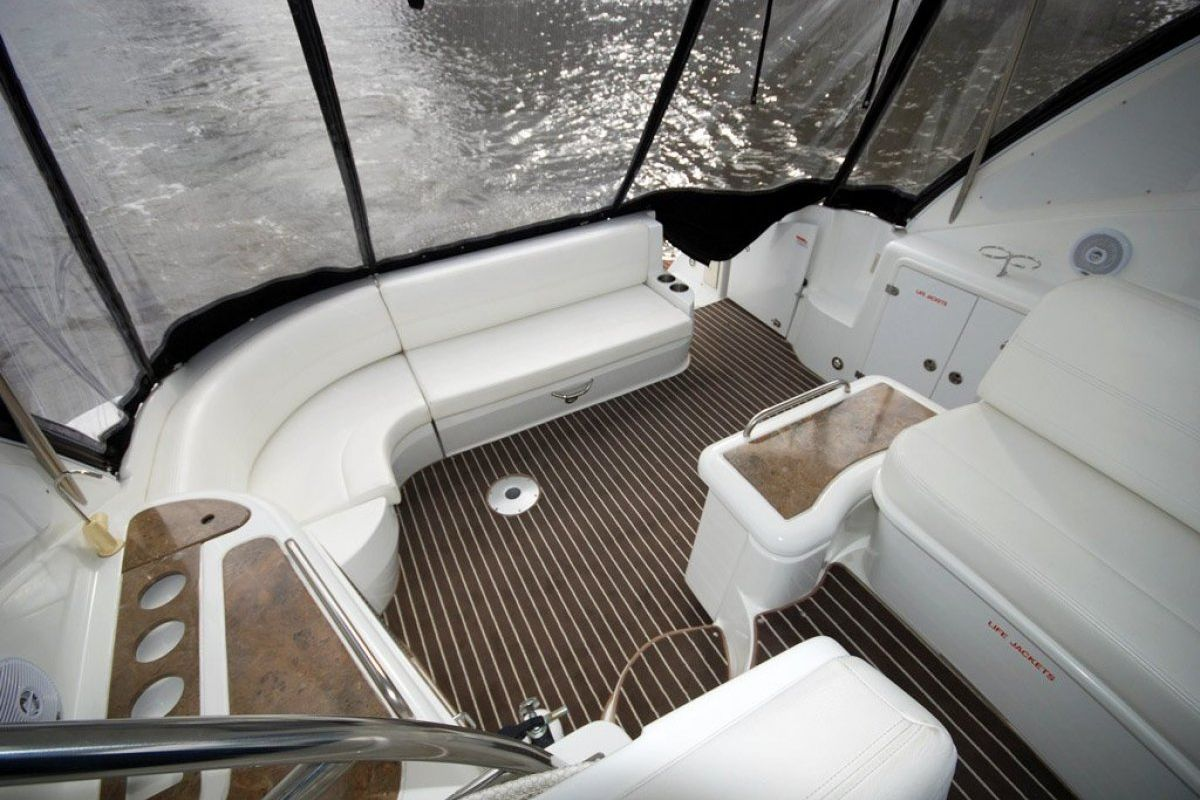 Cruisers Yachts 420 Express 0 13