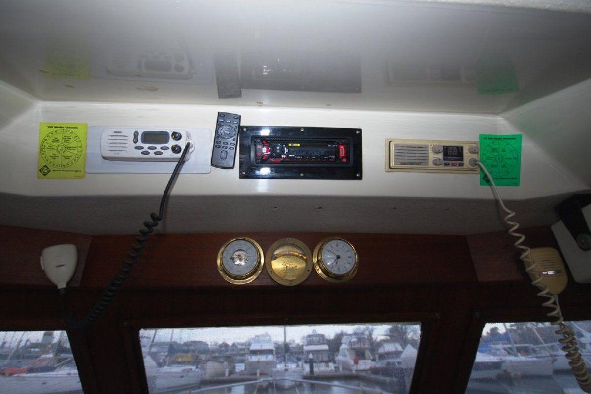 Mustang 3800 Flybridge Cruiser 0 07