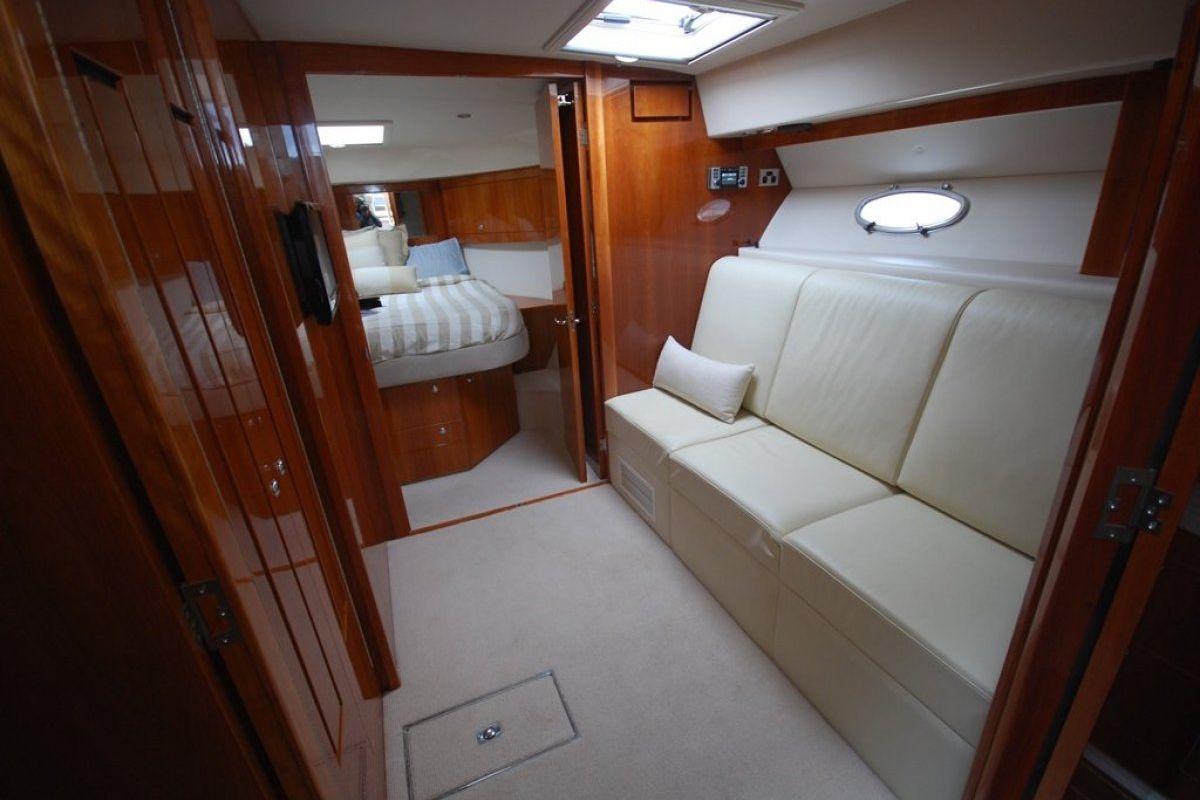 Riviera 5000 Sport Yacht 0 02