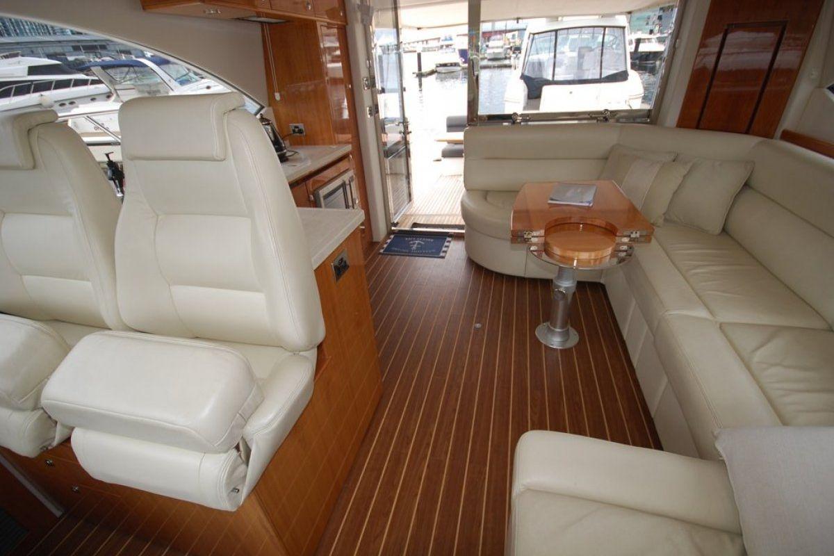Riviera 5000 Sport Yacht 0 01
