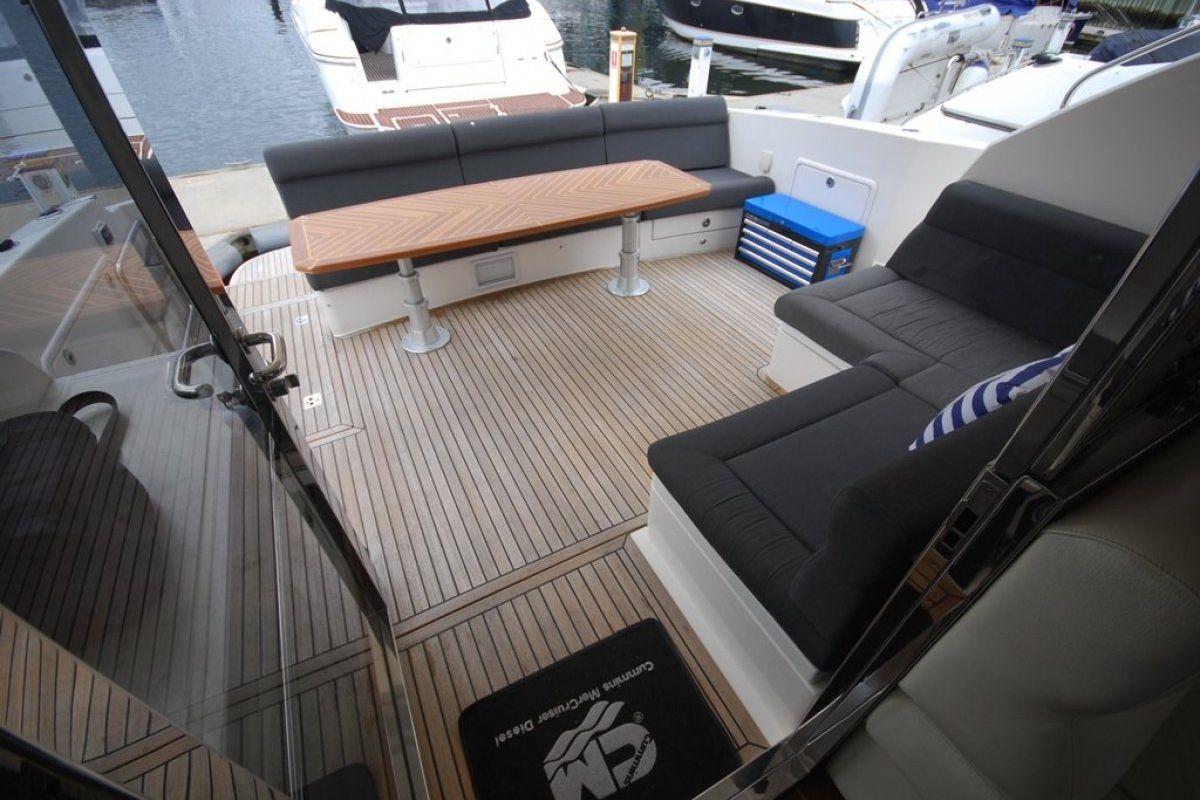 Riviera 5000 Sport Yacht 0 05