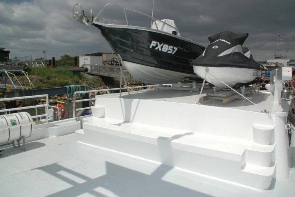 Expedition Long Range Motor Yacht 0 08