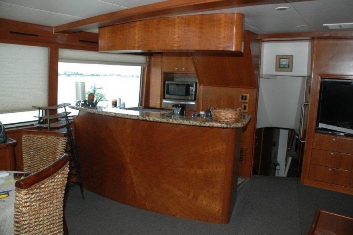 Expedition Long Range Motor Yacht 0 17