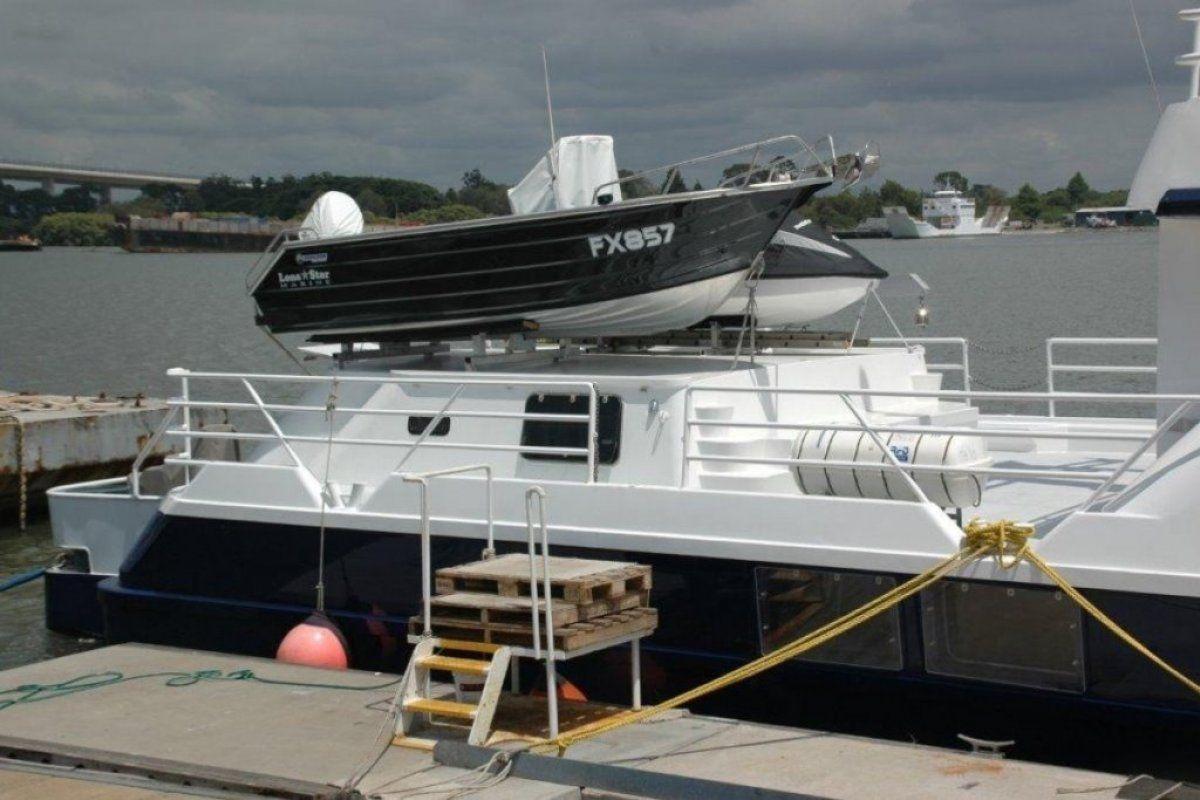 Expedition Long Range Motor Yacht 0 07